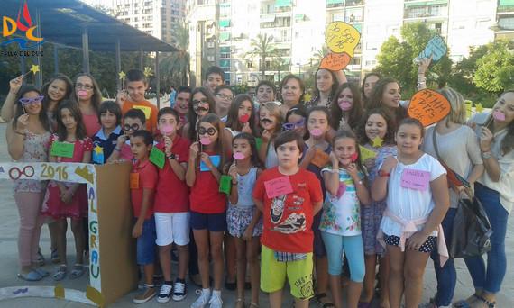 Irene y Andoni disfrutaron de la fiesta que organizaron las FFMM del Sector a los representantes infantiles