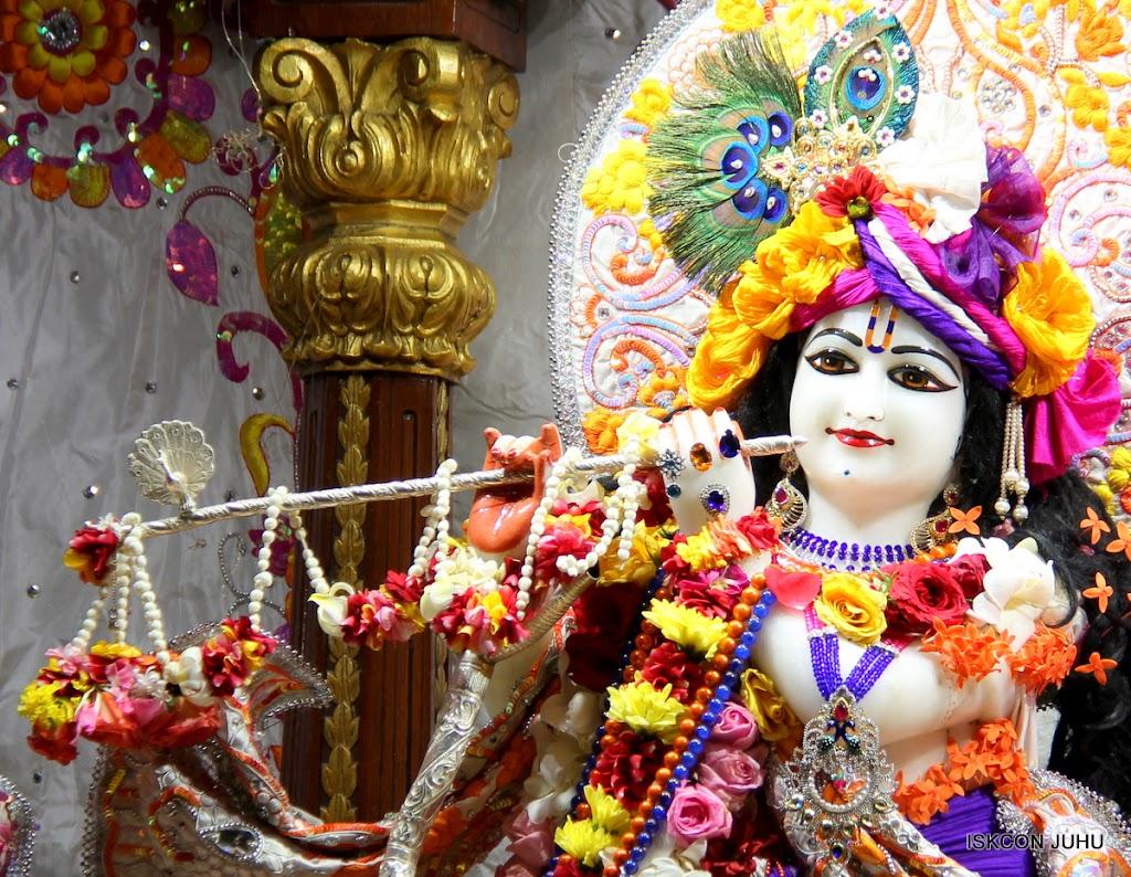 ISKCON Juhu Sringar Deity Darshan on 11th Aug 2016 (19)
