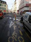 """Sur le chemin du travail. Rue du Jura : """"La glace va certainement finir par disparaître d'elle même. En plus, y'a pas de cyclistes en hiver."""" Photo : Séverine Ducrey"""