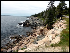 01 - Rocky coast along the loop road