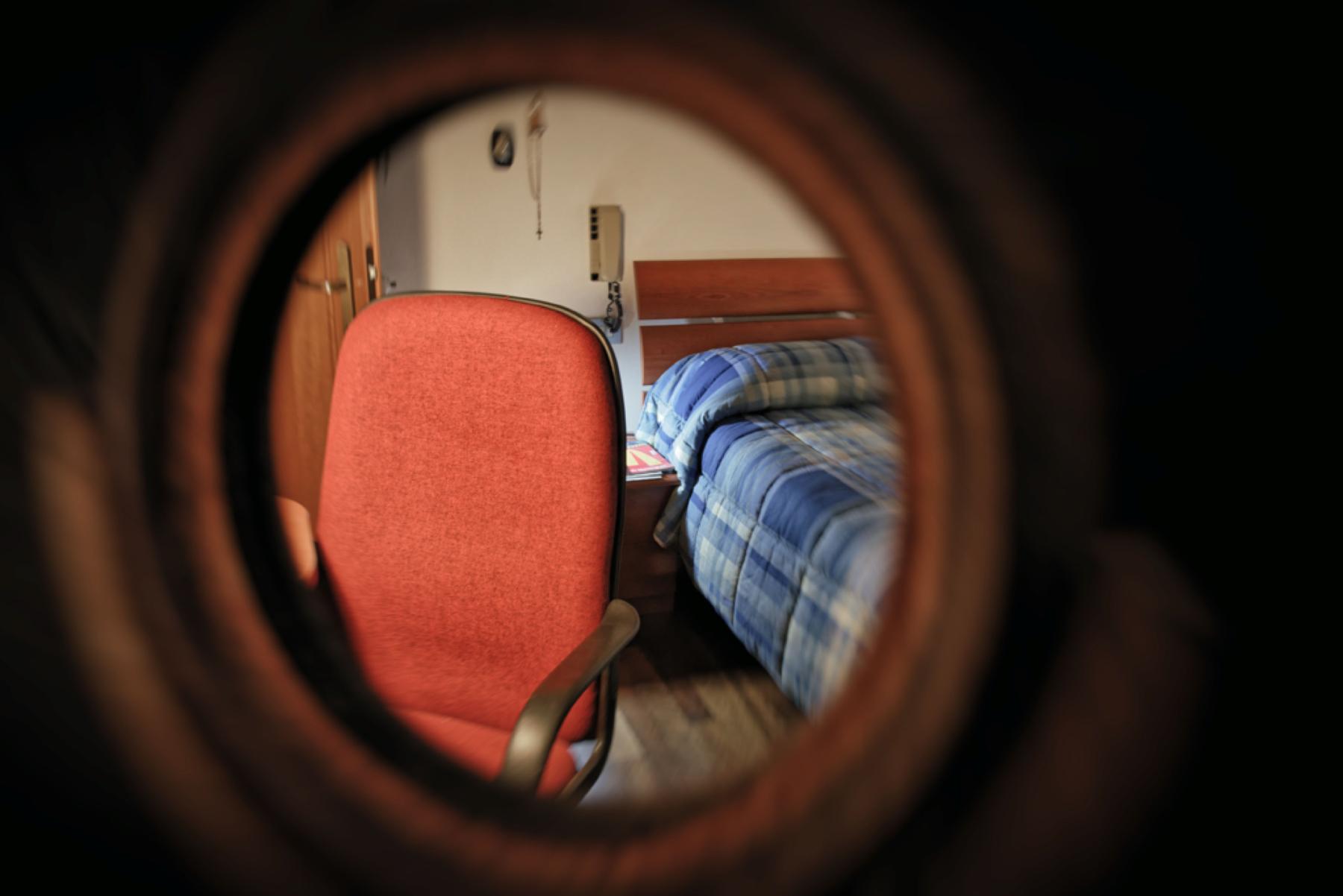 bed in the mirror di nicolanigri