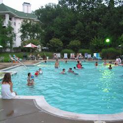 Rodinna party pri bazene (USA 2006)
