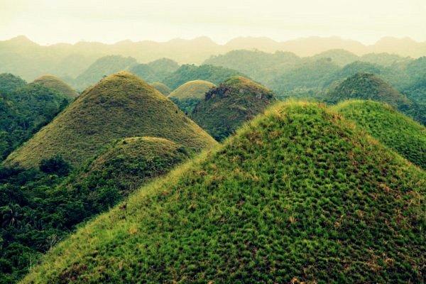 шоколадные холмы на Филиппинах