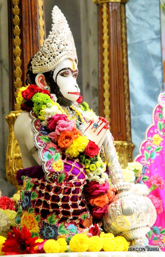 ISKCON Juhu Sringar Deity Darshan on 29th Sep 2016 (37)