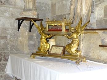 2018.01.07-044 chef de saint Quentin dans la basilique