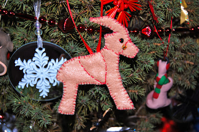 Felt Yule Goat Ornament Tutorial | 50 Awesome DIY Yule Decorations and Craft Ideas You Can Make for the Winter Solstice