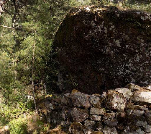 Un abri-bergerie le long du sentier de la bergerie de Saltare