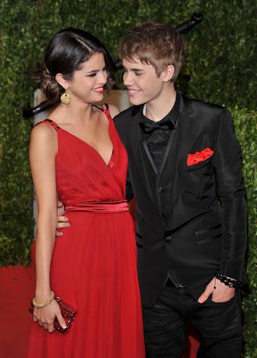 justin bieber and selena gomez laughing. Justin Bieber amp; Selena