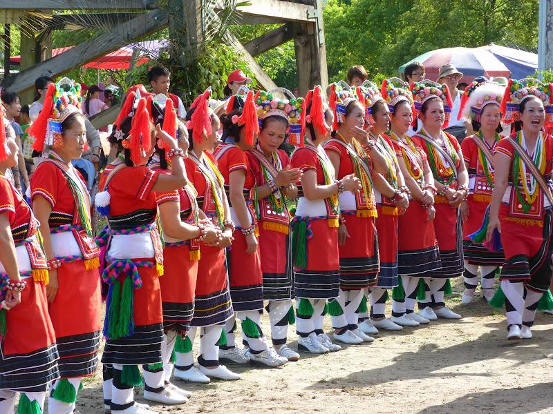 Hualien County. Liku lake. Danses Amis J 2 - liyu%2B2%2B447.JPG