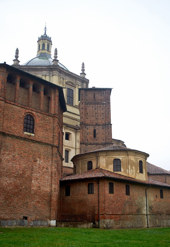 96. Chapel of Saint Aquilino from outside. The Basilica of San Lorenzo Maggiore. IV Century. Milan. 2013