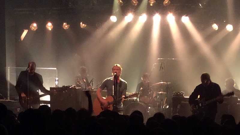 https://lh3.googleusercontent.com/-XXSgd5wij6A/ViNPTZYia2I/AAAAAAAAmwI/_fNGf-UA-Wg/s800-Ic42/Paul-Weller-Japan-Tour-2015-Bay-Hall-Yokohama-10-Oct-17-2015.jpg