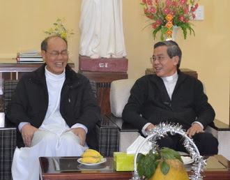 Hình ảnh Đức Cha giáo phận đã đến thăm và chúc tết Đức nguyên Tổng giám mục Giuse Ngô Quang Kiệt