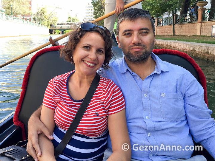eşimle gondol sefası, hayır Venedik'te değil Eskişehir'de