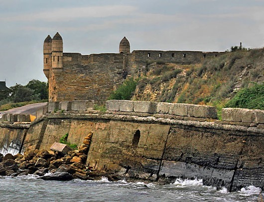 800px-Yenikale_fortress_in_Kerch
