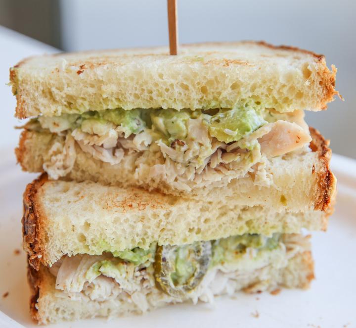photo of turkey and jalapeno sandwich