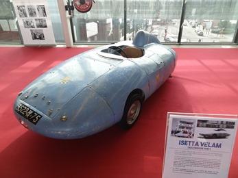 2018.12.11-072 Les Grandes Heures de l'Automobile Isetta Velam (records de 1957)