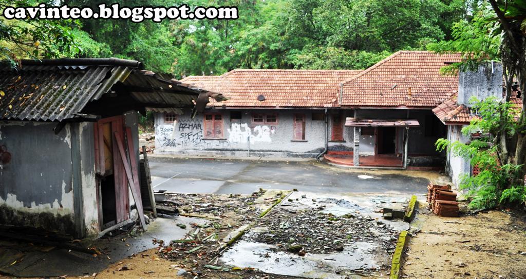 Entree Kibbles Haunted Red House Pasir Ris