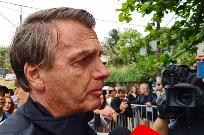 Bolsonaro afirma que está sendo 'perseguido' após relatório final da CPI
