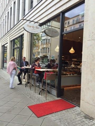 Hinter Diesem Konzept, Das Sich In Bester Kaffeehaus Optik Präsentiert,  Steht Die Landbäckerei Bosselmann, Die In Und Um Niedersachsens  Landeshauptstadt ...