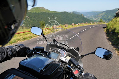 Descent of a pass in Auvergne