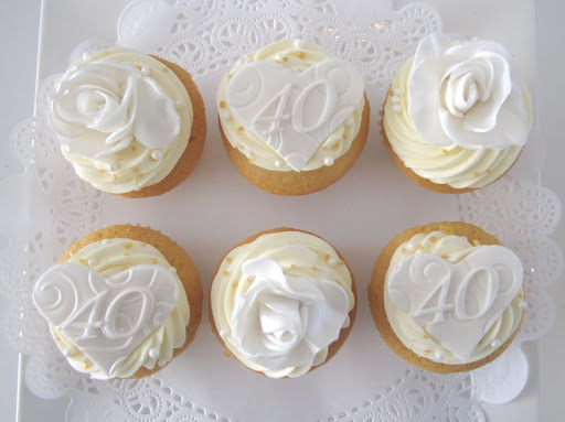 Bruiloft Cupcakes wit.JPG