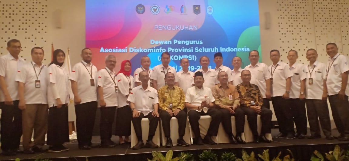 Ketua APPSI Kukuhkan Pengurus Assosiasi Kadis Kominfo Provinsi Seluruh Indonesia
