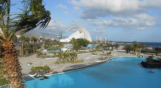 Parque Maritim César Henrique vor Castillo de San Juan und Auditorio de Tenerife, Santa Cruz de Tenerife, Teneriffa