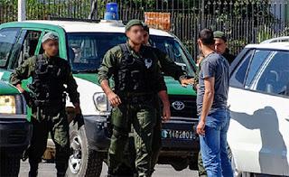 Un terroriste se rend à Ouargla, 5 membres de soutien arrêtés à l'Est