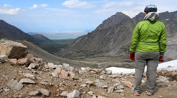 Kongurlen-Pass (Kongurlenk, Конгурленг, Конур-Улен, Конурулен, Хонгор-Олон, Конгур-Олен, Конгур Оленг, 3864 m): Miri auf ihrem höchsten Punkt
