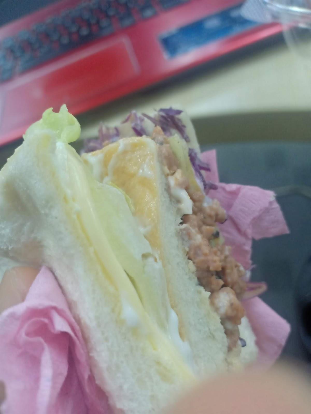 Sandwich rakan kerja belanja