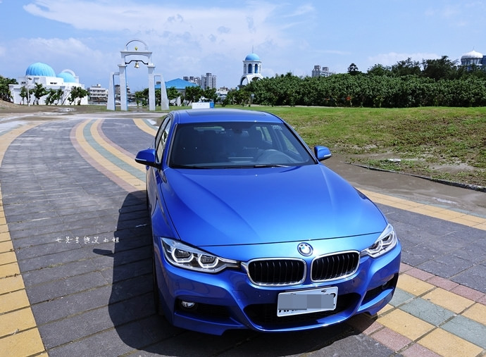 2 BMW 3系列運動房跑車
