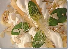Ventaglio di colomba al limoncello con crema di ricotta
