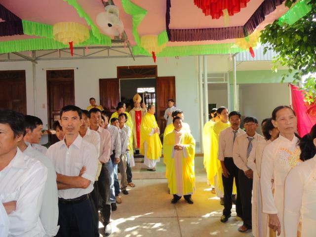 Hình ảnh Giáo xứ Thạch Định mừng lễ Bổn mạng kính thánh Phanxicô Xaviê lúc 9g30 ngày 04.12.2015.