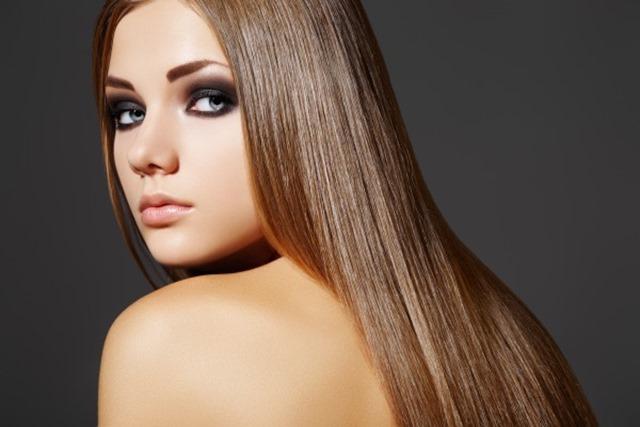 Receitas caseiras para cabelos cacheados e lisos