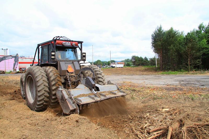 Aménagement Terrain industriel - broyage-pour-amenagement-terrain-industriel-4.jpg