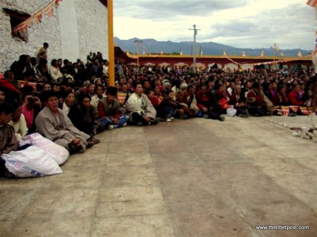 Massive religious gathering and enthronement of Dalai Lama's portrait in Lithang, Tibet. - l67.JPG