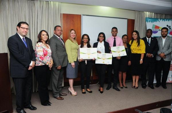 Diputada Gloria Reyes presenta ganadores concurso Pedro Brand Ecoturístico