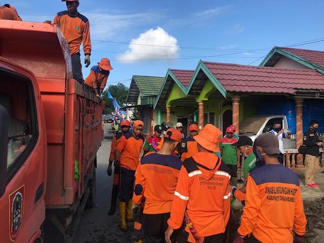 Antisipasi Banjir, Bupati Sudian Pimpin Bersihkan Lingkungan