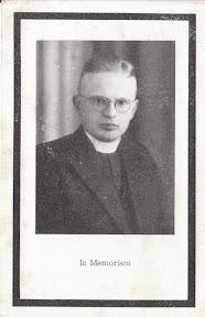 Bidprentje van de door de Duitsers omgebrachte Kapelaan de Hosson die actief was in het verzet. http://www.secondworldwar.nl/enschede/