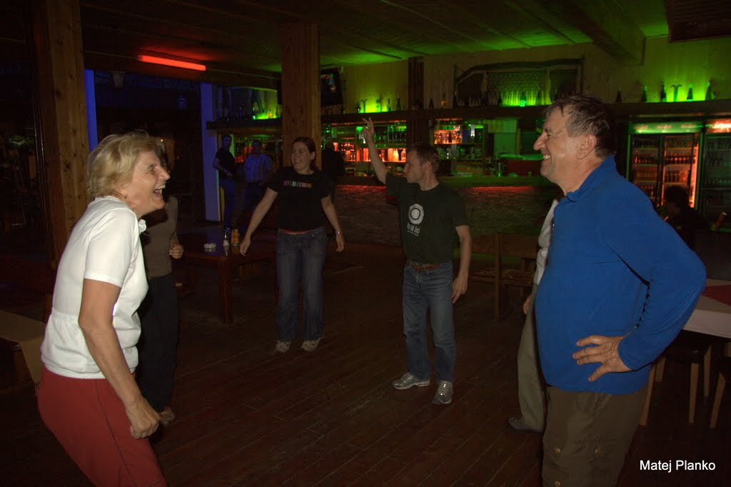 Za zaključek dneva pa ples ob bosanskem melosu in balkanskem ritmu