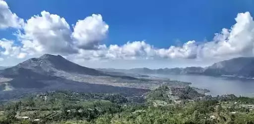 tempat wisata yang menyajikan pemandangan alam yang indah serta pantai dan lautan yang ex 5 Destinasi Wisata Bali Paling Populer dan Terbaru!