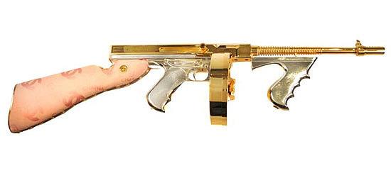 senjata bergaya