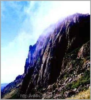 monte Inyangani base anunnaki