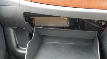 エアコンフィルターを取り付ける場所はあるが、エアコンフィルターはない