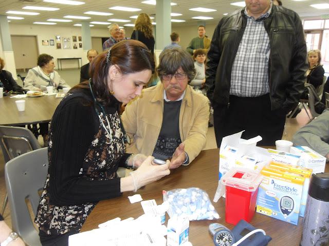 Spotkanie medyczne z Dr. Elizabeth Mikrut przy kawie i pączkach. Zdjęcia B. Kołodyński - SDC13511.JPG