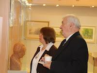 11 Kovács Eszter, a kiállítás kurátora ismerteti a kiállítást.JPG