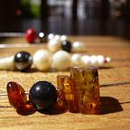 Ketten mit Perlen und Berstein.JPG