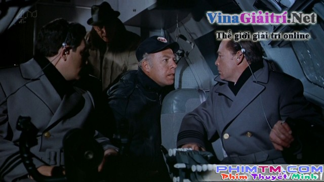Xem Phim Đánh Bom Trên Không - Airport - phimtm.com - Ảnh 3