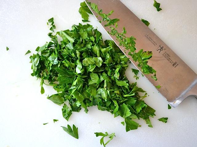 chop parsley