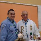 El Pbro. Fernán Llano Ruiz, Rector de Colegio, renovó su Promesa Scout y luce orgulloso la pañoleta de nuestro grupo
